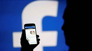 Brazil's biggest newspaper stops publishing on Facebook after News Feed change