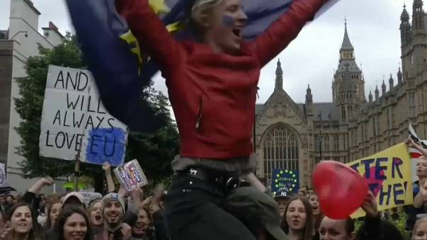 Soros financia una campaña contra el brexit