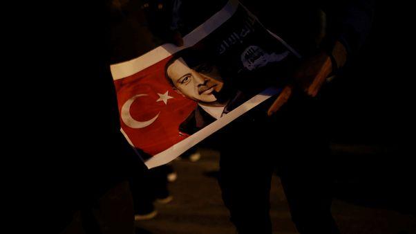Parlamento Europeu critica Turquia por causa dos direitos humanos