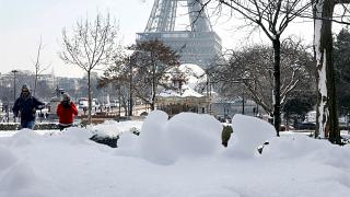 França cria 145 mil novos lugares para sem-abrigo