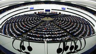 A török szükségállapot felfüggesztését kéri az EP