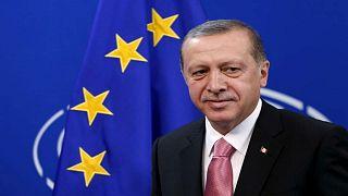 المعارضة التركية تنتقد مشروع قانون يتيح مراقبة للإنترنت