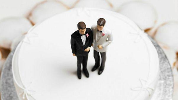 محكمة أمريكية تنصف صانعة حلويات رفضت ان تٌحّضر كعكعة زواج لزوجين مثليين