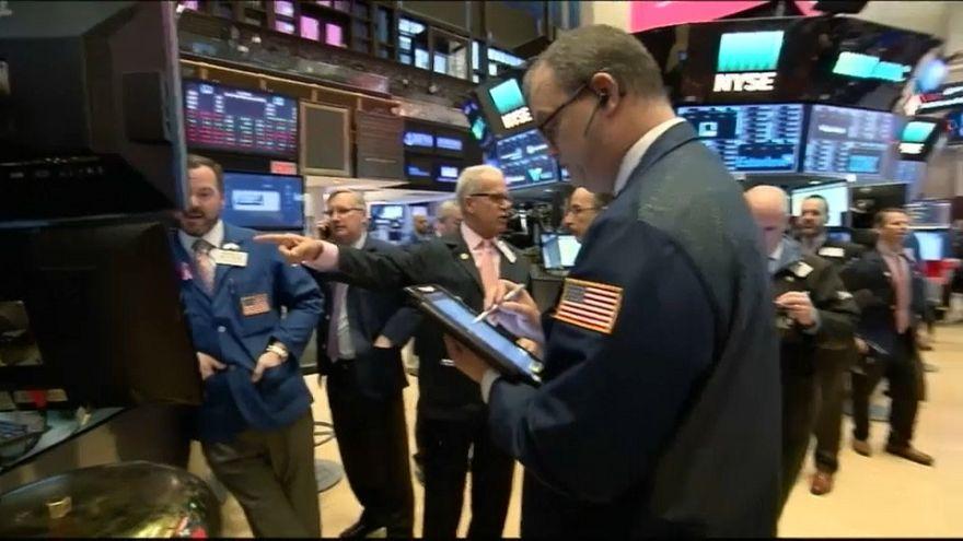 Wall street cierra con fuertes pérdidas, el Dow Jones resta un 4,15%