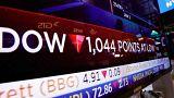 Wall Street volta a afundar