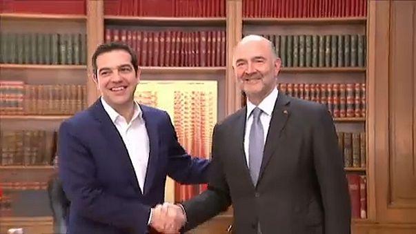 Moscovici viaja até à Grécia para assegurar data de fim do resgate