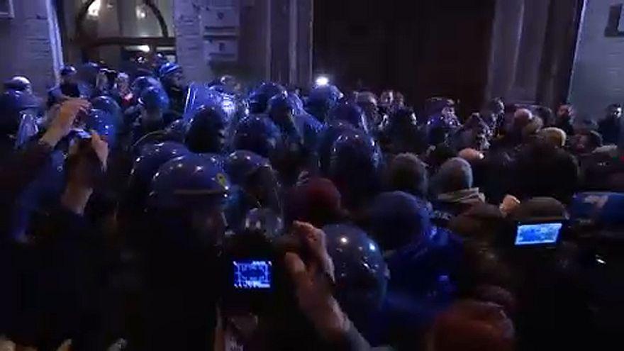A lövöldöző mellett tüntettek Maceratában