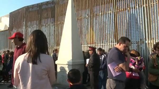 Trump puts in 3 billion budget request to begin Mexican wall