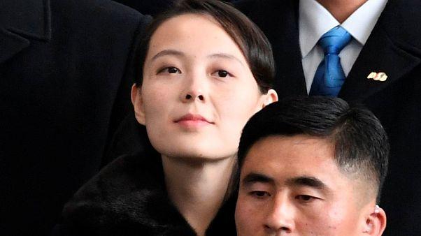 Irmã de Kim Jong-un e Mike Pence cruzam-se na Coreia do Sul