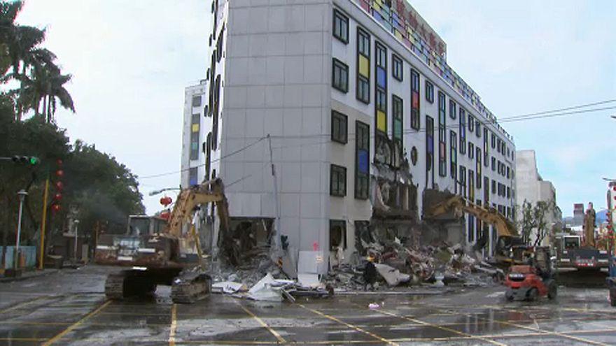 Folytatódik a helyreállítás Tajvanon