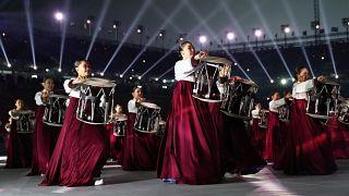 Olimpiyat Oyunları'nın açılış töreni izleyicileri büyüledi