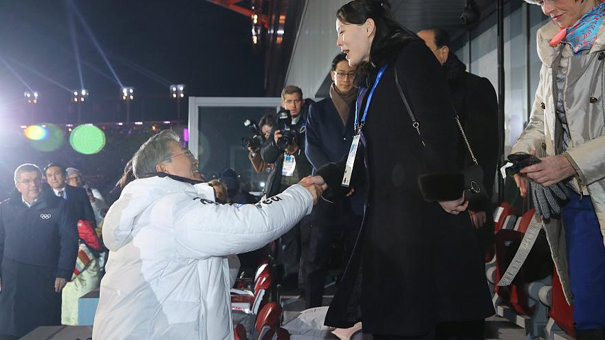 Tregua Olímpica: histórico choque de manos entre las dos Coreas