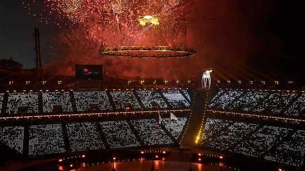 Kış Olimpiyat Oyunları'na 'barış' temalı görkemli tören