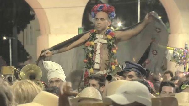 Las calles recuperan protagonismo en el carnaval de Río de Janeiro