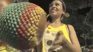 Brezilya'yı karnaval ateşi sardı