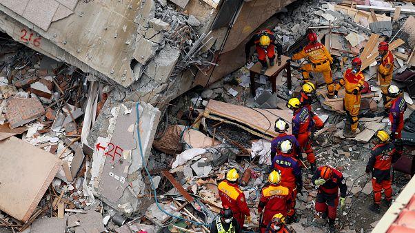 Taiwan: Suche nach Überlebenden geht weiter