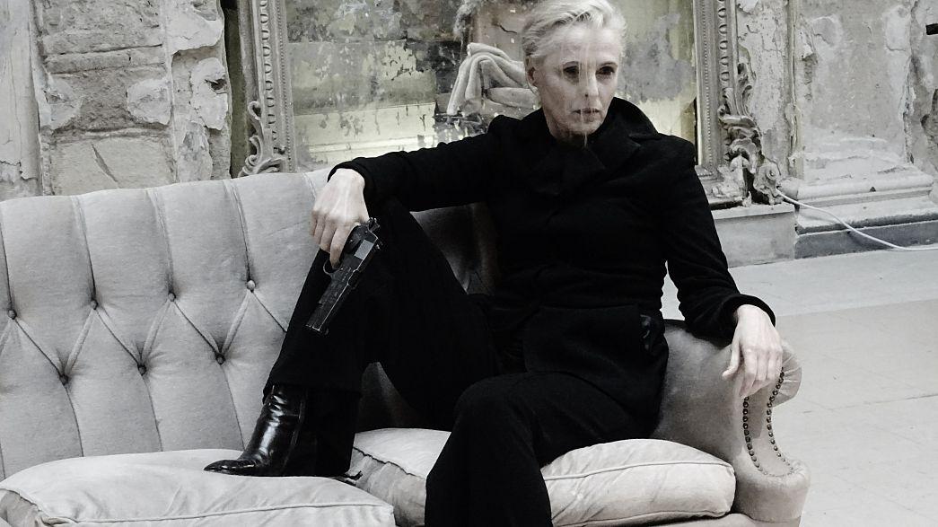 Η Έντα Γκάμπλερ ζει και πεθαίνει στο Μπάγκειον, στην Ομόνοια