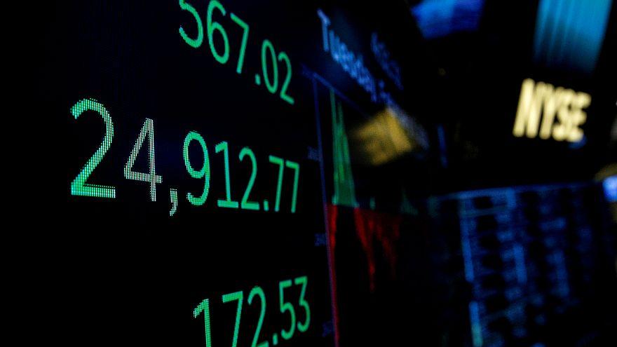 Wall Street abre em alta após semana caótica