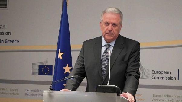 El caso Novartis salpica al comisario europeo de Migración, Dimitris Avramopoulos