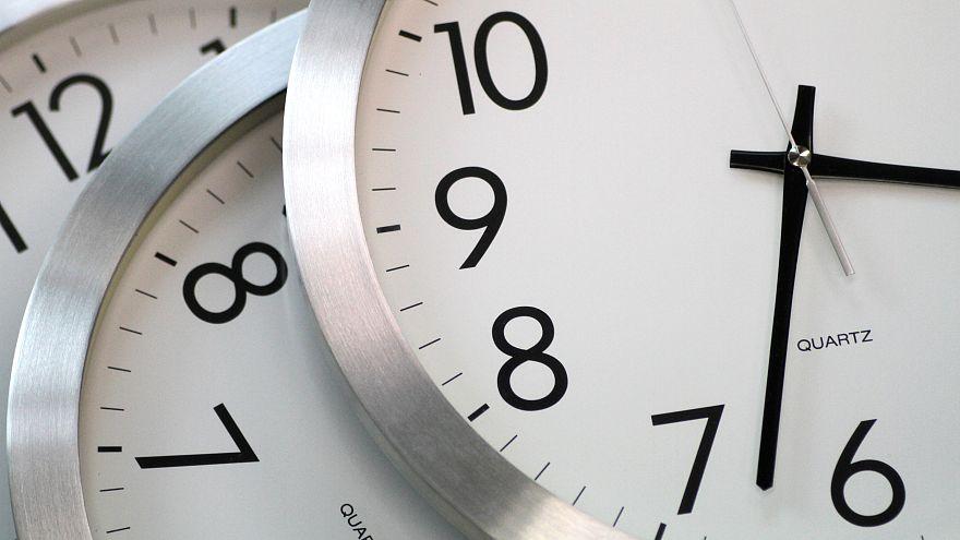 AB saatlerin ileri geri alınmasını tartışıyor