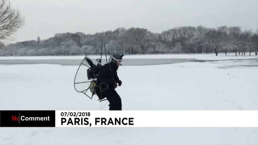 Esquiando por el parque en París