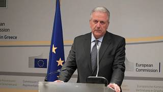 Scandalo Novartis, Avramopoulos si difende