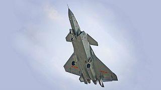 چین پیشرفتهترین جنگندۀ رادارگریزش را به پرواز درآورد