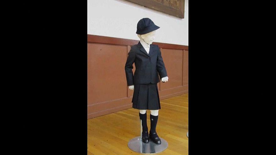 A scuola con l'uniforme firmata Armani