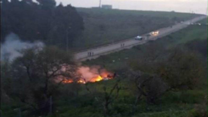 شاهد: لحظة إسقاط القوات السورية لطائرة مقاتلة إسرائيلية