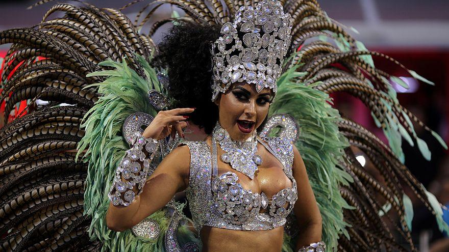 Le Carnaval réveille le Sambodrome de Rio