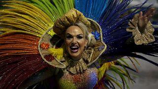 Sambódromo ao rubro em mais um Carnaval