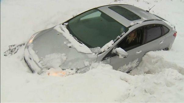 Al menos dos fallecidos a causa de una tormenta de nieve en EEUU