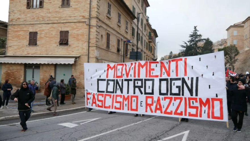 Contra el fascismo y el racismo en Macerata