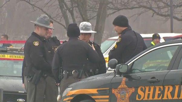 Dos policías mueren tiroteados en Ohio