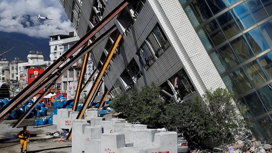 Séisme à Taïwan : des corps découverts, le bilan s'alourdit