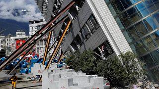 Aumenta número de mortos em sequência de sismo