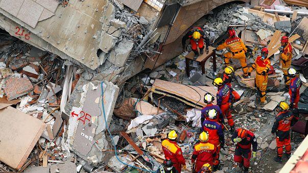 Tayvan'ı vuran şiddetli depremde ölü sayısı 17'ye çıktı