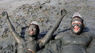 Vestidos de lama para o Carnaval