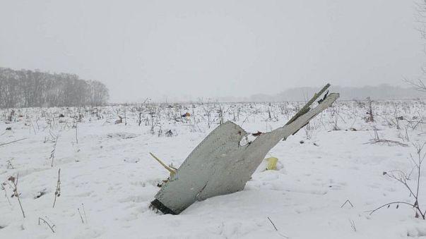 Avião comercial cai na Rússia