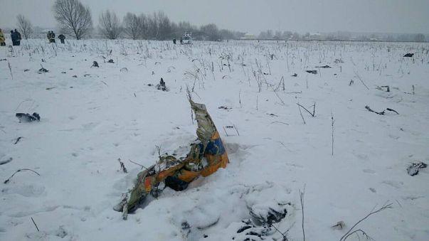 شاهد: الصور الأولى لحطام الطائرة الروسية المنكوبة