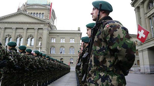القضاء يحسم معركة بين الجيش السويسري وشركة لساعات اليد