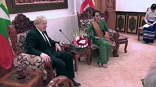 Boris Johnson and Aung San Suu Kyi discuss Rohingya crisis