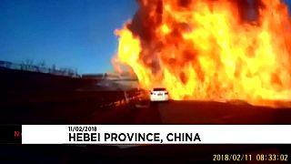 Çin'de gaz yüklü tanker otoyolda dehşet saçtı
