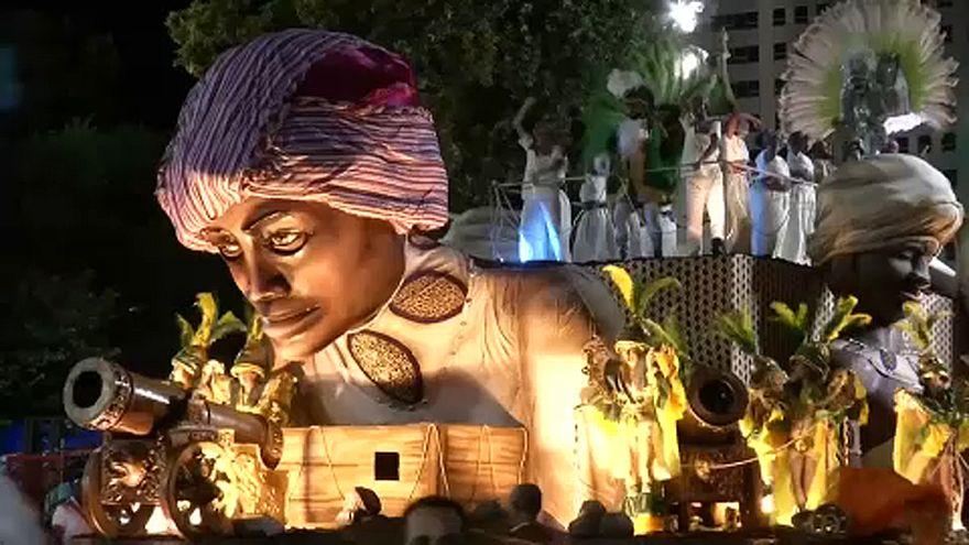 Szambaverseny a riói karneválon
