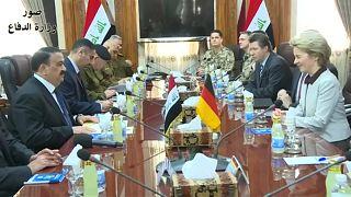 Iraks Verteidigungsminister al-Hiyali und Ursula von der Leyen in Bagdad.