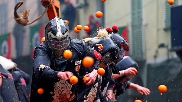 """Carnevale di Ivrea: l'orgoglio della """"Battaglia delle Arance"""""""