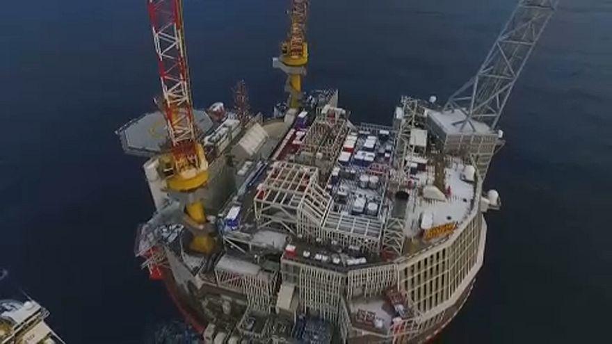 Feltartóztatták az olasz fúróhajókat Ciprusnál