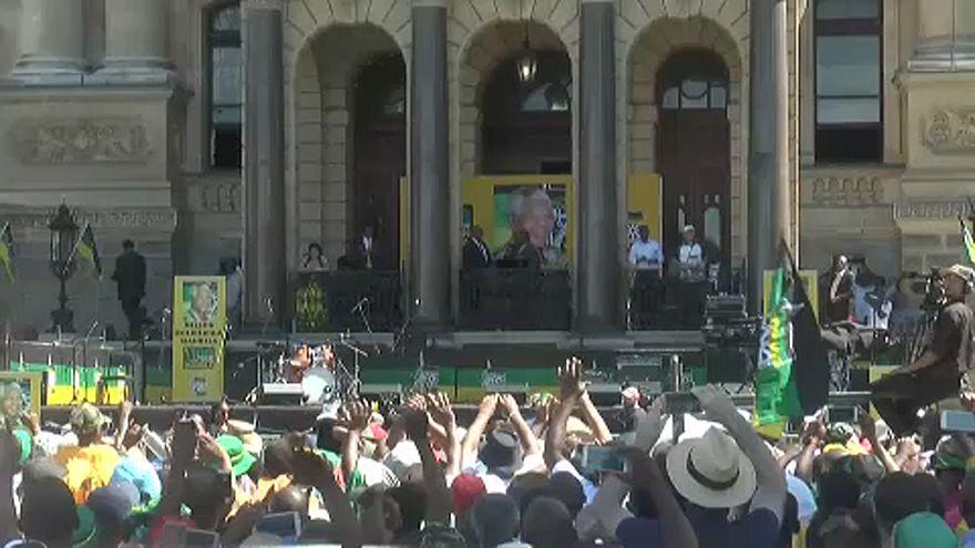 Aumenta pressão para demissão de Jacob Zuma