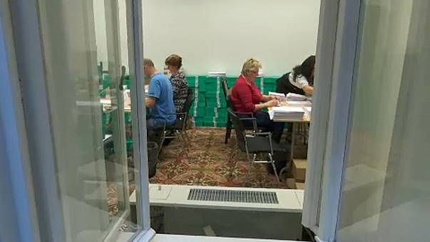 Diszkriminatív, hogy nem minden külföldön élő magyar szavazhat levélben
