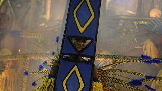 Karneval in Brasilien: Samba und Schlamm